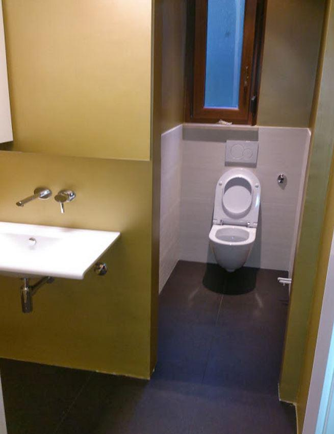 Moderni WC, polaganje keramika