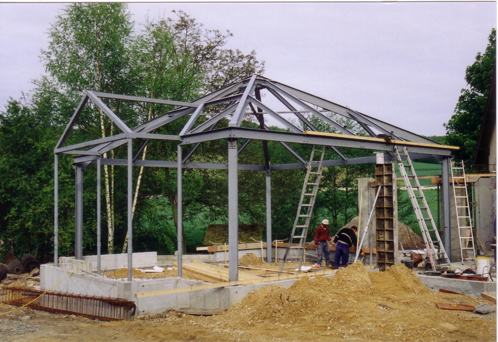 Kovinske strehe andrej golob kovinske konstrukcije s p for Structure metallique maison