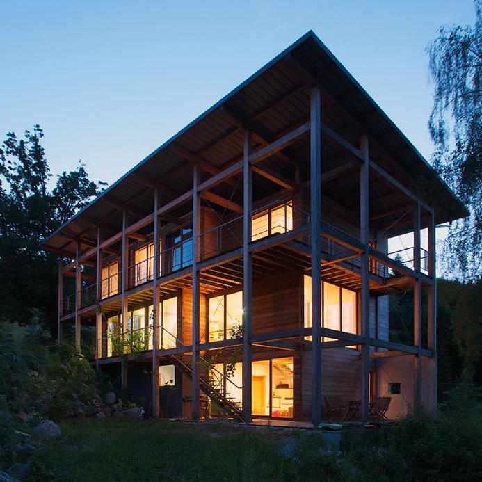 lesena skeletna enodružinska hiša