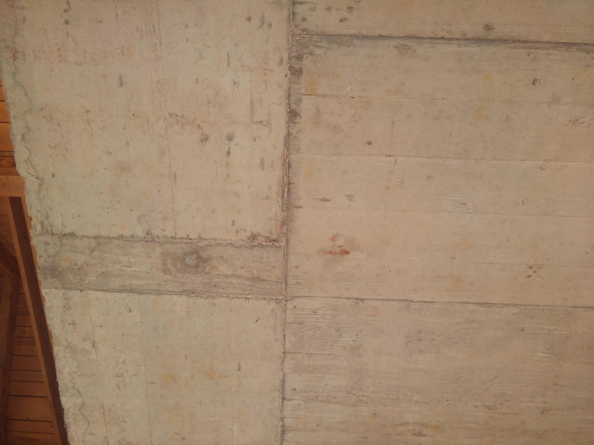 Grobo brušenje stropov