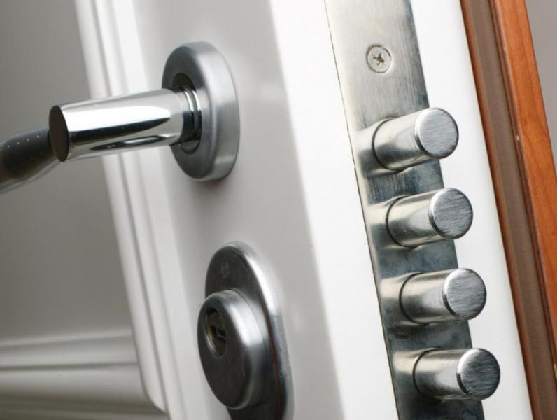 Zakaj izbrati protivlomna vrata?