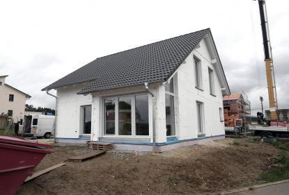 Zunaj gotova montažna hiša in cena