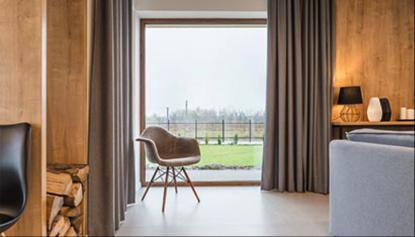Kaj če bi lahko združili PVC okna in izgled lesa?