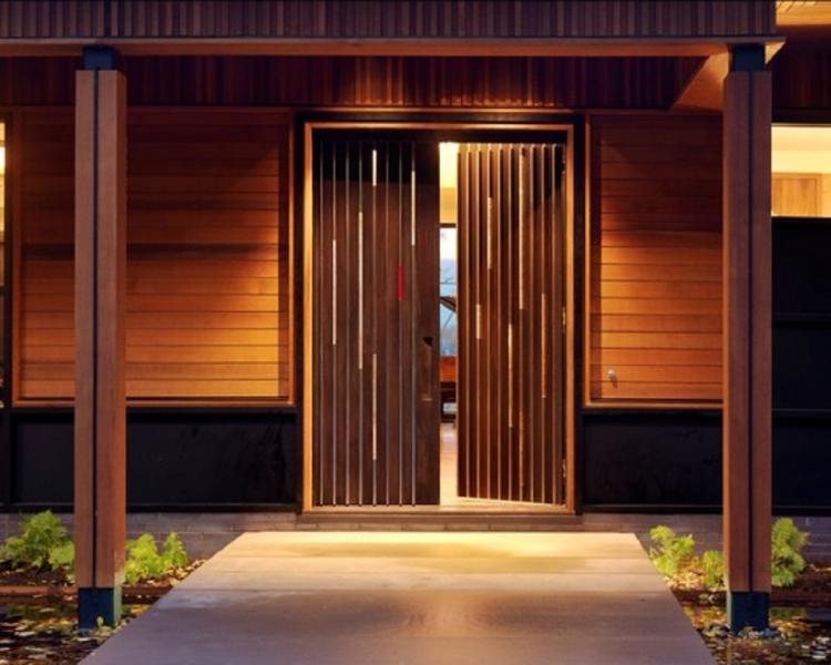 Lesena vhodna vrata, pvc vhodna vrata ali alu vhodna vrata?