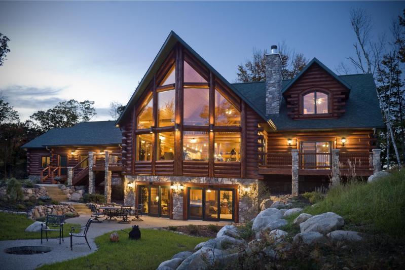 Hiša iz brun: lesena brunarica