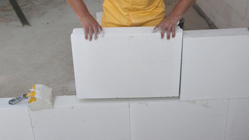 Predelne stene iz penjenega betona ali mavčno kartonskih plošč