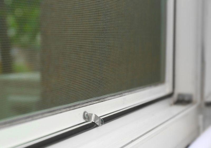 Komarniki za okno