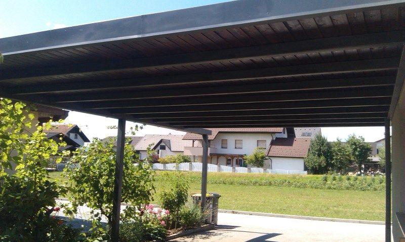 Kovinski nadstrešek za avto ali teraso