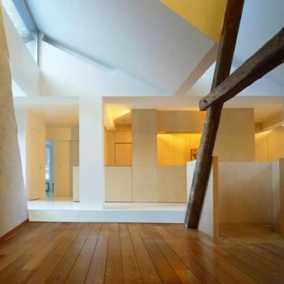 Prostori so osvetjeni tudi od zgoraj. © Room & Room, Dezeen