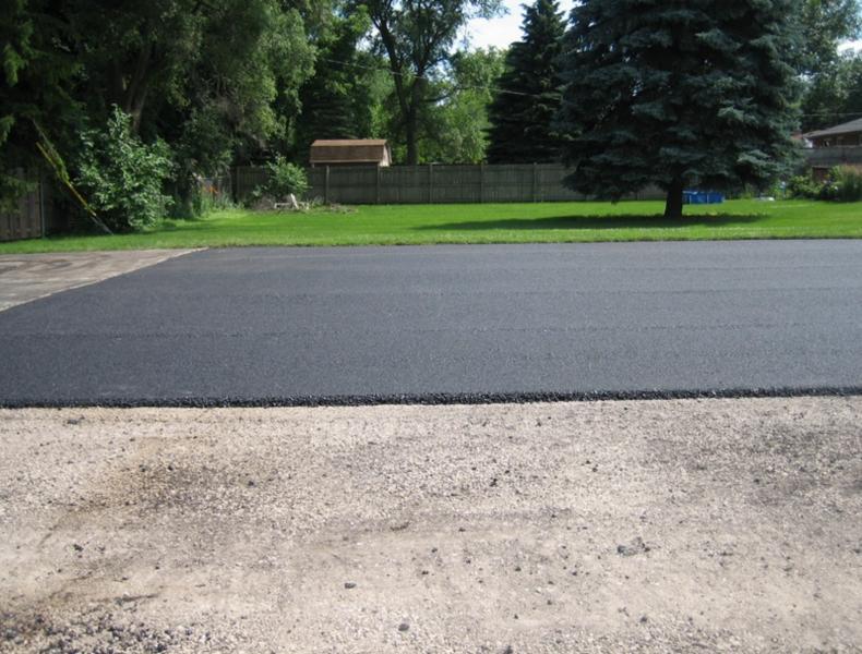 Kakšna je prava debelina asfalta?